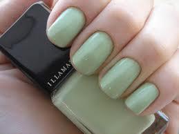 Vernis à ongles couleur vert anis